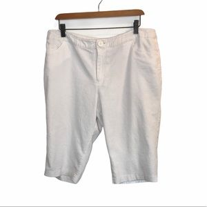 Nicole Miller White Bermuda Shorts Plus Size 16